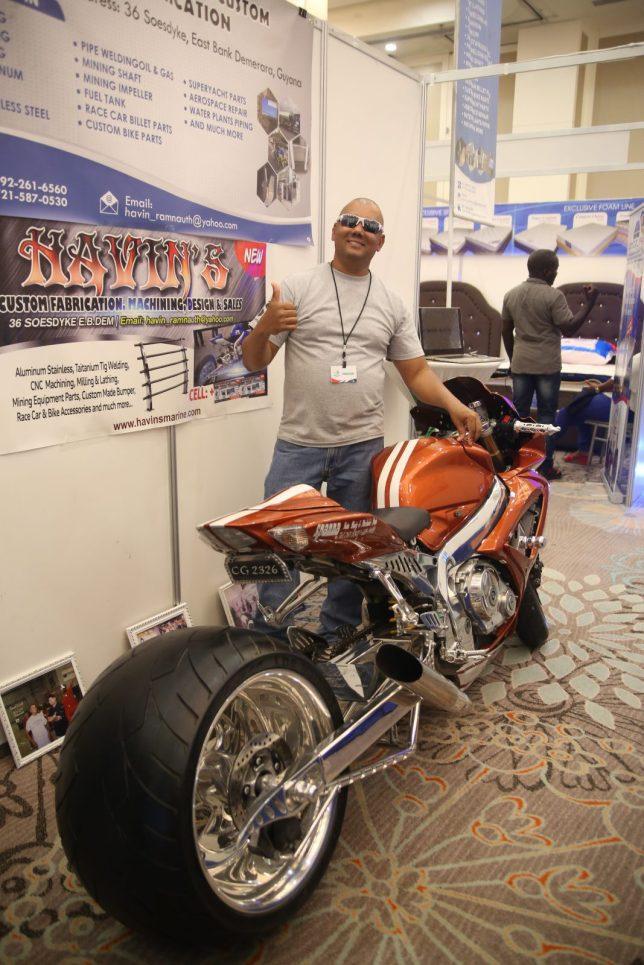 Manager of Havin's Custom Fabrication, Havin Ramnauth