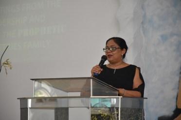 Mrs. Nagamootoo addressing the congregation.