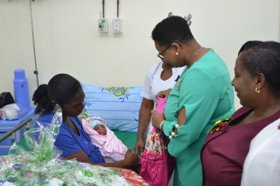 Minister meeting with the four other mothers.