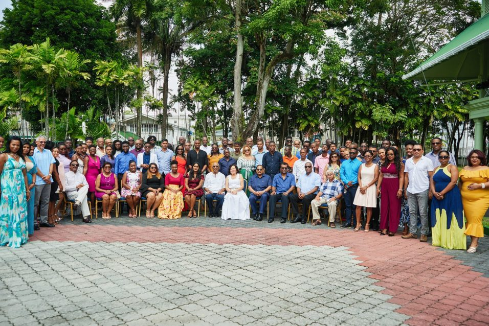President David Granger his wife, Mrs. Sandra Granger and Prime Minister, Moses Nagamootoo [seated in front] flanked by government ministers, members of the Guyana Press Association (GPA) and other members of the media fraternity