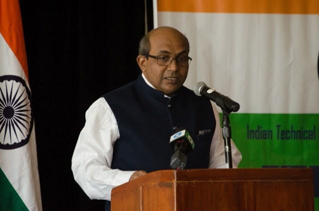 High Commissioner of India, V. Mahalingam.
