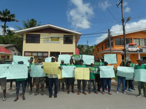 Residents of Linden in support of the Coalition Government peacefully picketting GECOM office in Linden.