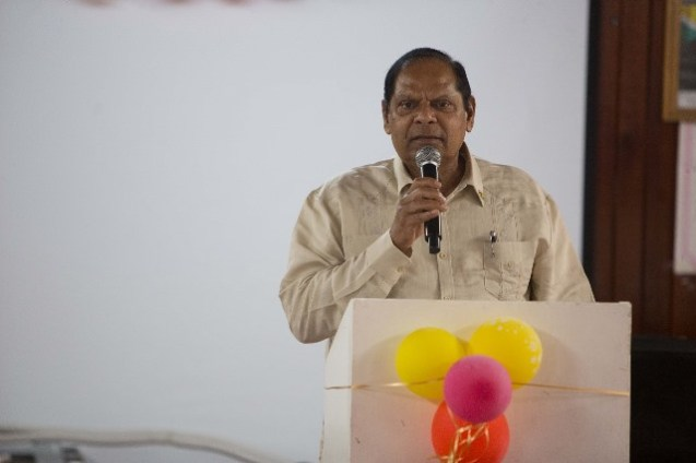 Prime Minister, Moses Nagamootoo addressing the residents and students.