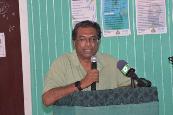 Minister of Public Security, Khemraj Ramjattan addressing residents of Leguan at a community meeting