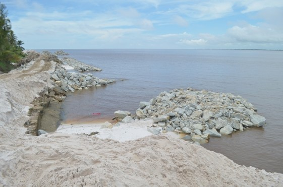 CDB sea defence project in Endeavour, Leguan.