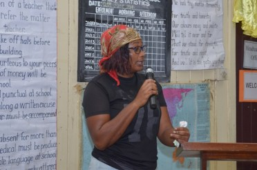 Residents of Victoria raise their house lot allocation-related concerns and other issues with government ministers who recently visited the village.