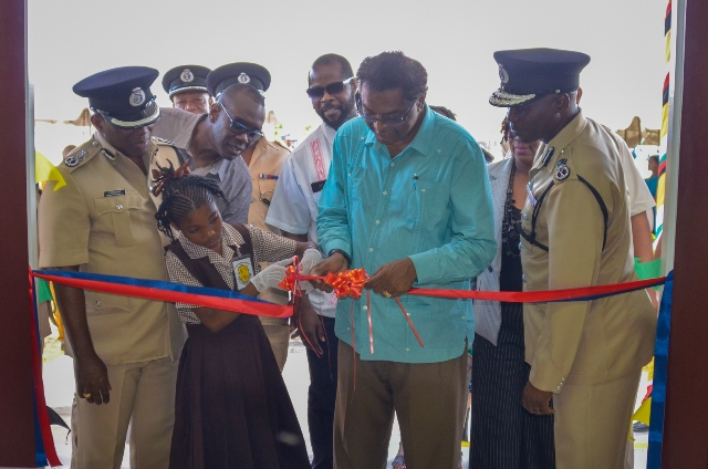 Minister of Public Security, Hon. Khemraj Ramjattan officially commissioning the building in the presence of Commissioner of Police, Leslie James and other senior ranks of the Guyana Police Force (GPF).