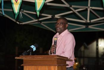 Public Infrastructure Minister, Hon. David Patterson addressing the gathering.