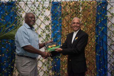 Minister Bulkan receives his award