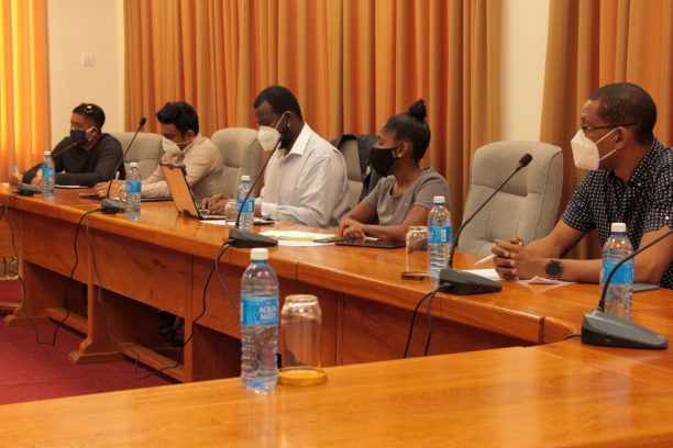 Stakeholders engage in discussions on electronic commerce