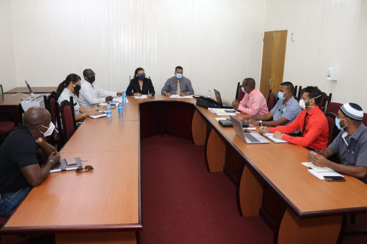 Ministers discuss budget plans with senior officers of GWI.