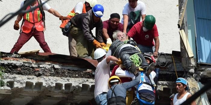 Decreta Peña Nieto tres días de luto nacional