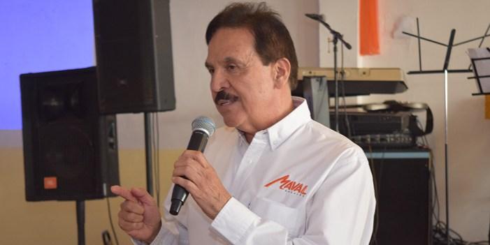 Recibe constancia de candidato Marco Valenzuela