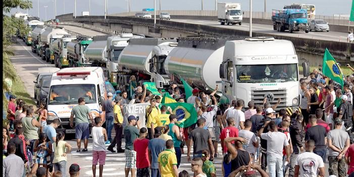 Huelga de camioneros en Brasil, ejemplo para mexicanos