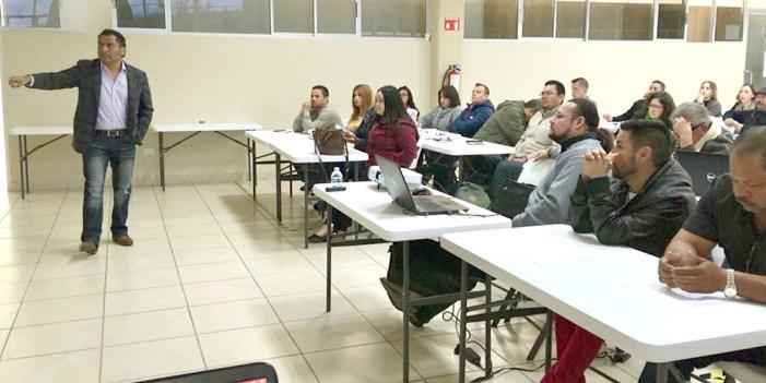 Periodistas reciben curso de capacitación en Nogales