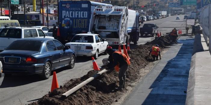 Refuerzan campaña de bacheo en principales calles de Nogales