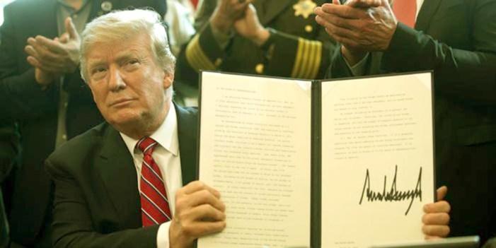 Donald Trump se aferra a muro de la discordia