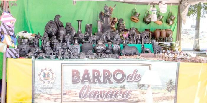 """""""Expo cultural oaxaqueña"""" en Plaza del Camarón, Puerto Peñasco"""