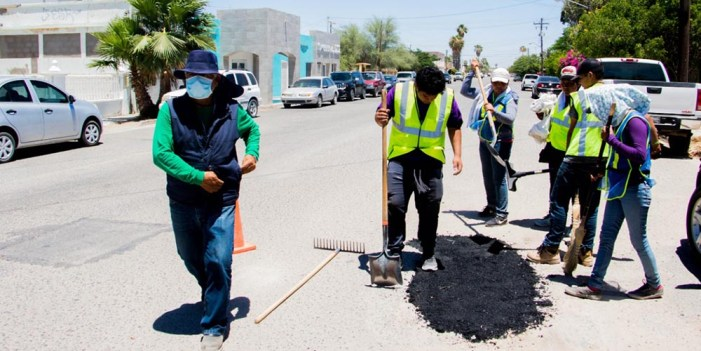 Aplica Gobierno Municipal 59 toneladas de asfalto frío