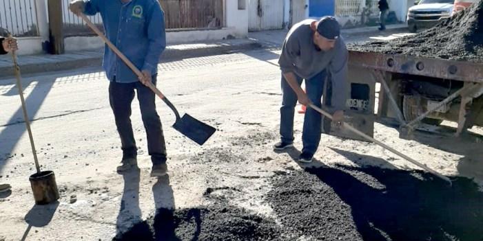 Gobierno municipal reinicia programa de bacheo