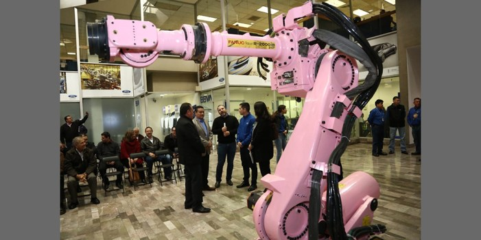 Dona Ford 8 robots para escuelas
