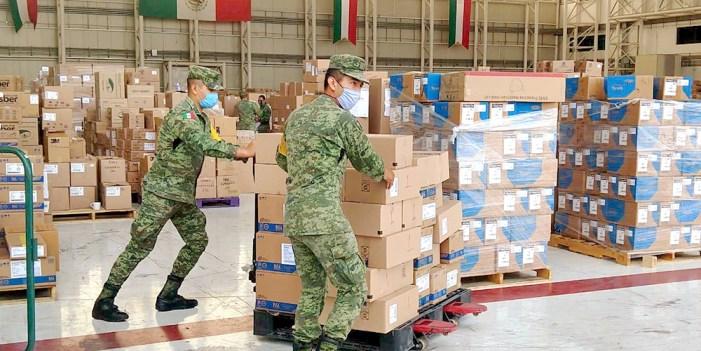 Fuerzas armadas entregan insumos y equipos médicos a hospitales federales
