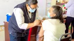 Cierra periodo de vacunación Pfizer para personas de 50 a 59 años