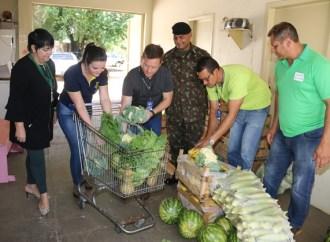 Parceria com o Exército, projeto 'Feira Verde' entrega 900 quilos de alimentos no Lar das Vovozinhas