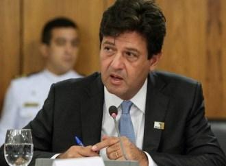 """Ministro da Saúde pede adiamento das eleições: """"Vai ser uma tragédia"""""""
