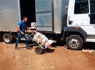Secretaria de Meio Ambiente de PG faz entrega de cestas básicas para recicladores