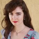 Professora de jornalismo da UniSecal é aprovada em Doutorado sobre Comunicação e Linguagens