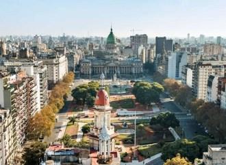 Quarentena total evita explosão do coronavírus na Argentina; sistema de saúde opera sem sobrecarga