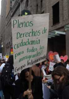 Plenos derechos de ciudadanía para todos los inmigrantes!