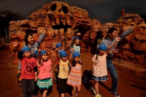 トムソーヤ島ナイトツアーのイメージ (c)Disney