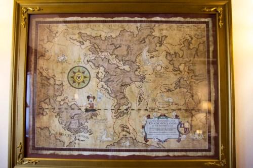 リニューアルした全室にある世界地図