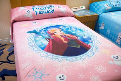 ベッドスプレッド (c)Disney