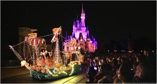 Main Street Electrical Parade (c)Disney