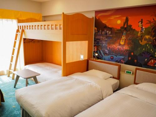 こちらは2段ベッドのあるクインテットルーム