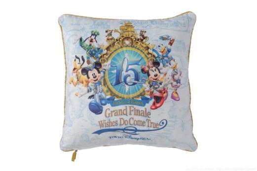クッション 2800円 (c)Disney
