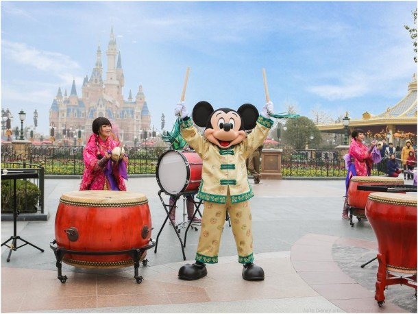 Mickey makes a surprise appearance during drum ceremony to send wishes to guests (c)Disney