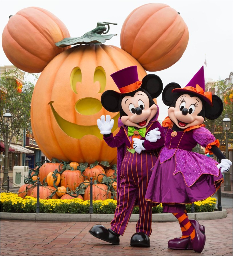 MICKEY MOUSE AND MINNIE MOUSE CELEBRATE HALLOWEEN TIME (ANAHEIM, Calif.) ññ During Halloween Time at the Disneyland Resort, guests will encounter beloved characters dressed in fun seasonal costumes, including Mickey Mouse and Minnie Mouse. The Halloween season at the Disneyland Resort, which also features special attractions and entertainment, runs from Sept. 7 through Oct. 31, 2018. (Scott Brinegar/Disneyland Resort)