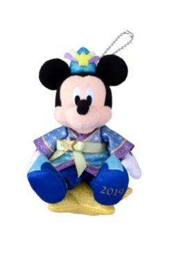 ぬいぐるみバッジ 1800円 (c)Disney