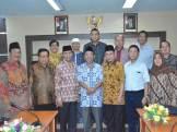 Foto Bersama Anggota BK DPRD Provinsi NTB dan Pansus Kode Etik Tata Cara Beracara BK DPRD Provinsi DKI Jakarta