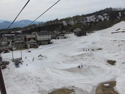 11 関温泉スキー場