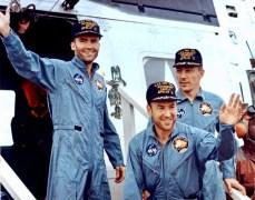 apollo-13-astronauts-on-the-u-s-s-iwo-jima
