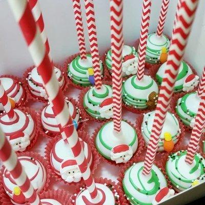 X-Mas Cake pops 1 Dozen
