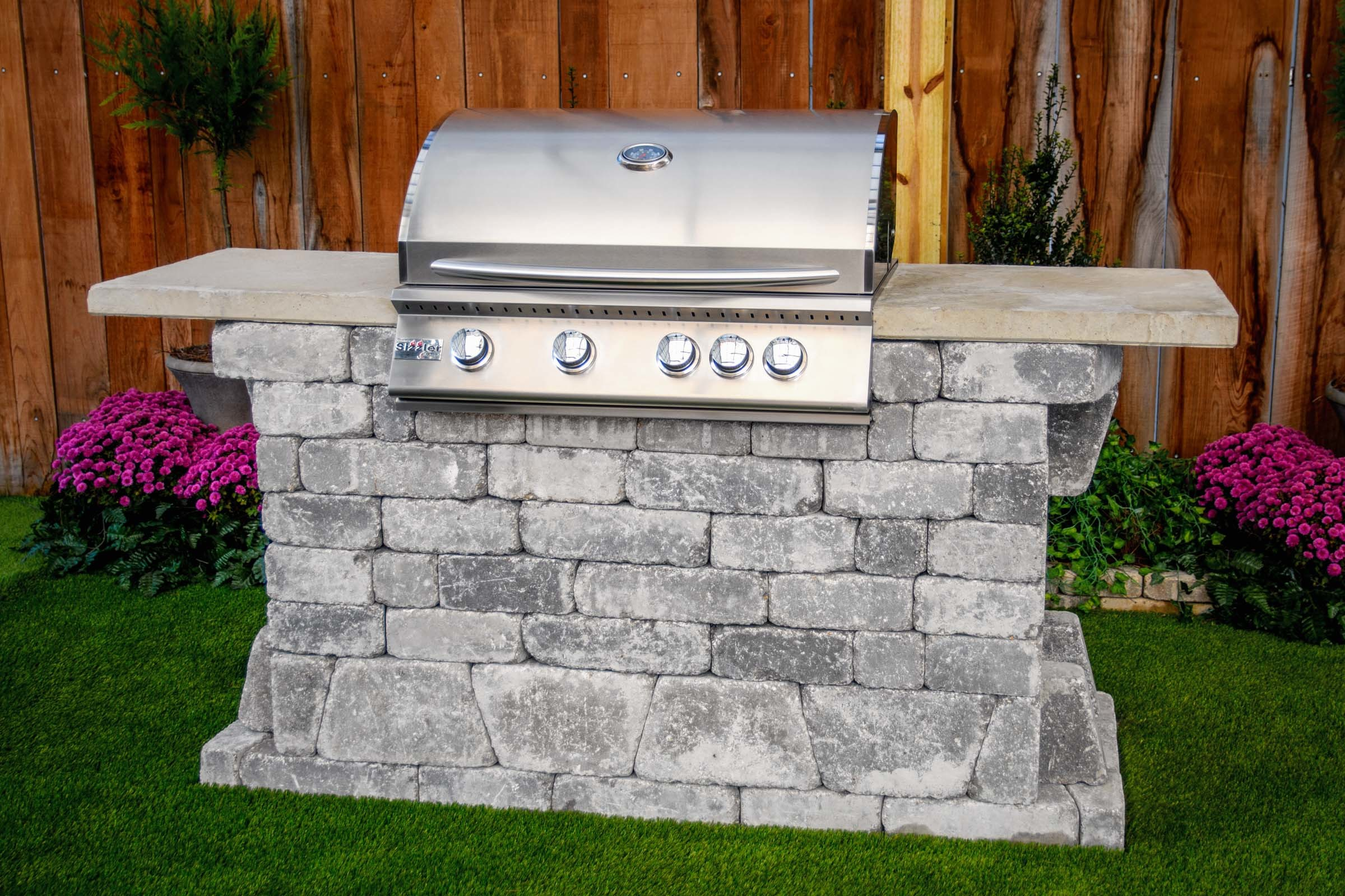 Williard 32 Grill Station (FREE firepit) WGS-3280