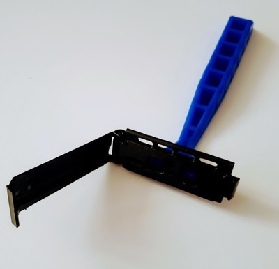 CHALLENGER SINGLE EDGE RAZOR. ITS AMAZING. REALLY!!!!! TWO CENTS A SHAVE!!!!
