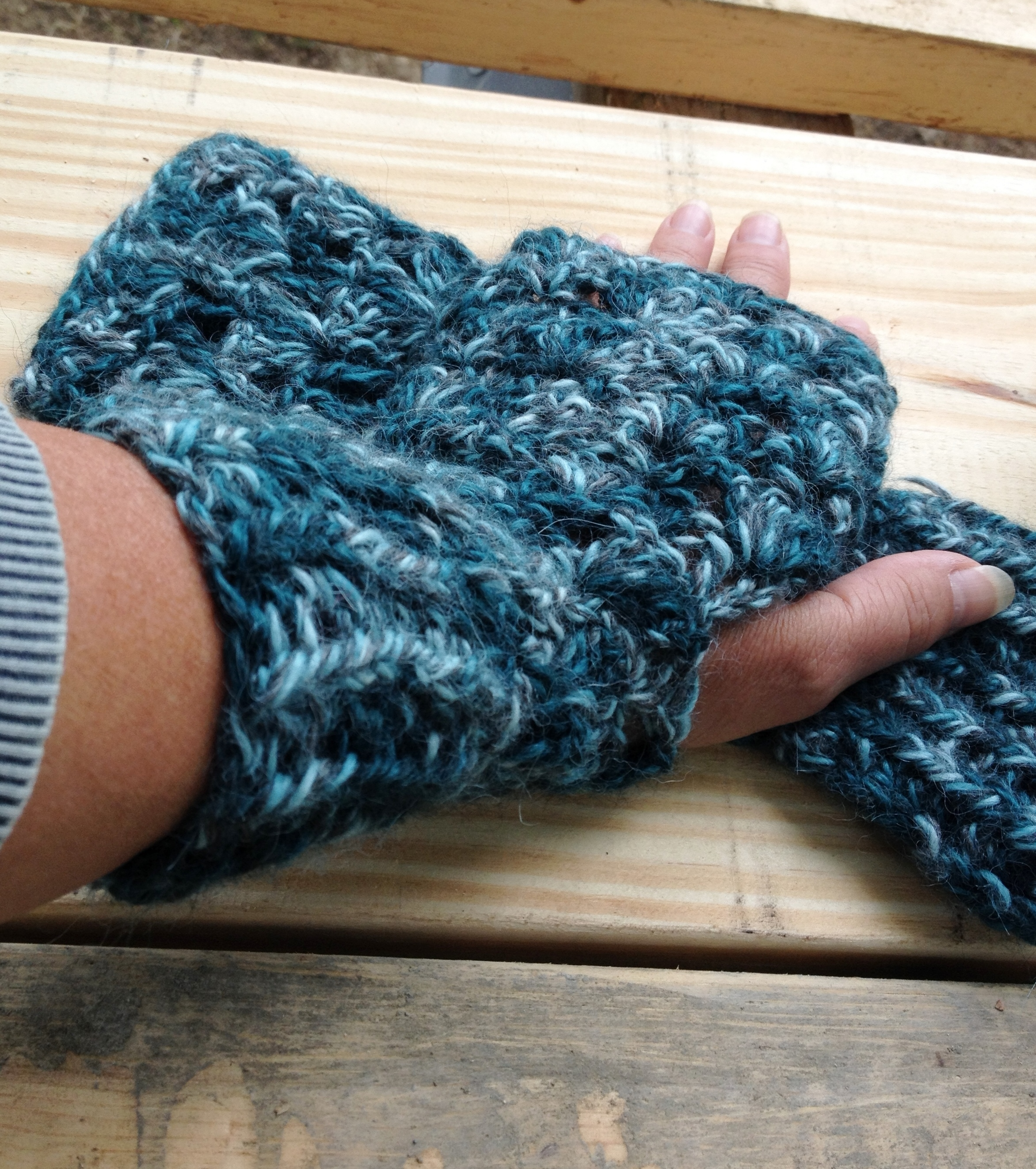 Andee Lace Fingerless Mitts
