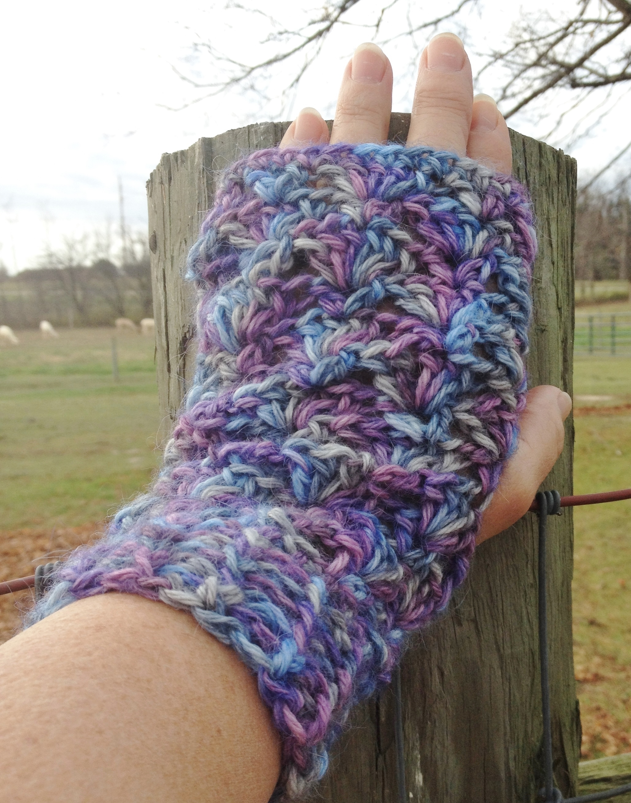 Alpaca Fingerless Gloves - Moonlight 17654